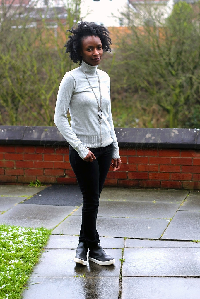 winter-chic-style-grey-turtleneck-black-jeans-chelsea-trainer-boots,how to style roll neck sweater, how to wear pull neck sweater, how to style pull neck sweater, High Top chelsea Trainers, High Top Slip On Trainer Chelsea Boots, Chelsea slip on trainers, roll neck jumper, roll neck top, black and white sole trainers