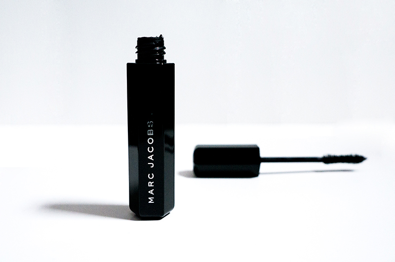 Marc Jacobs Velvet Noir Major Volume Mascara | www.latenightnonsense.com