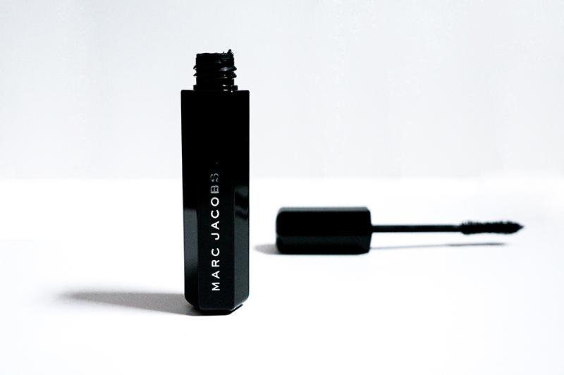 Marc Jacobs Velvet Noir Major Volume Mascara | www.latenightnonsense.com