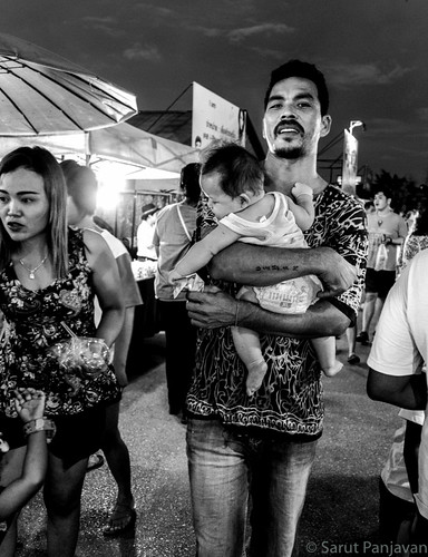 street travel people blackandwhite bw food woman baby man male monochrome face female night thailand grey mono photo candid sony father mother thai trang rx100
