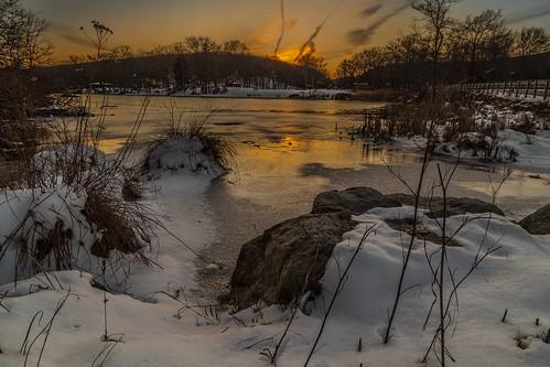 city winter sunset sky lake snow newyork nature weather clouds landscape evening us unitedstates 2016 southfields harrimanstatepark lakekanawauke