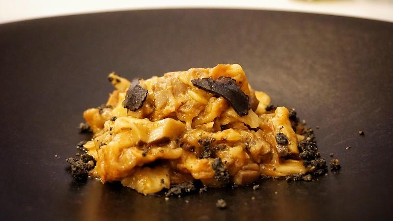 Gazpachos manchegos con trufa negra