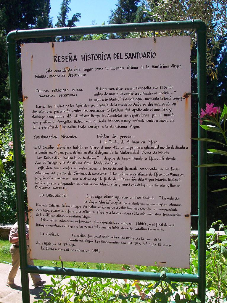 Cartel en Español con la historia de la Casa casa de la virgen maría en Éfeso, turquía - 23865392671 a08e42435f b - Casa de la Virgen María en Éfeso, Turquía