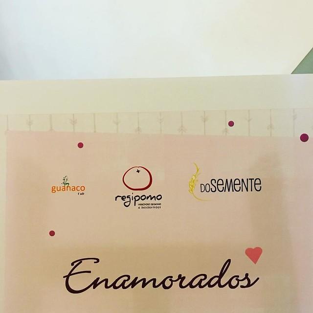 Tudo pronto para amanhã. Vamos estar numa mostra de coisas boas no Guanaco Café, em Benfica.