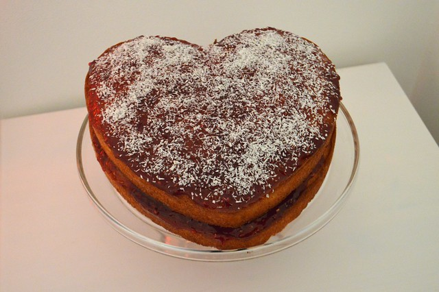 picture of a red jam sponge cake