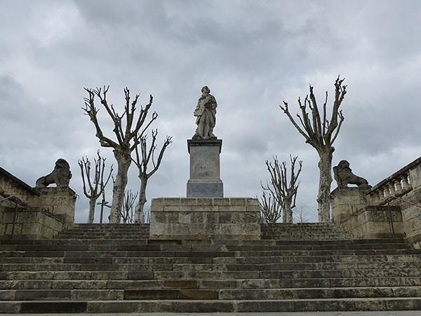statue Auch