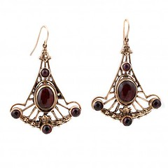 garnet-fan-earrings