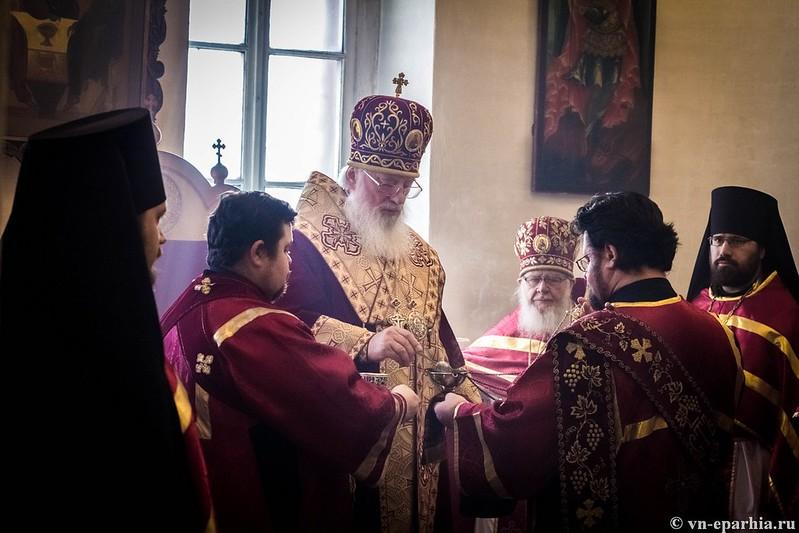 Троицкий собор 330