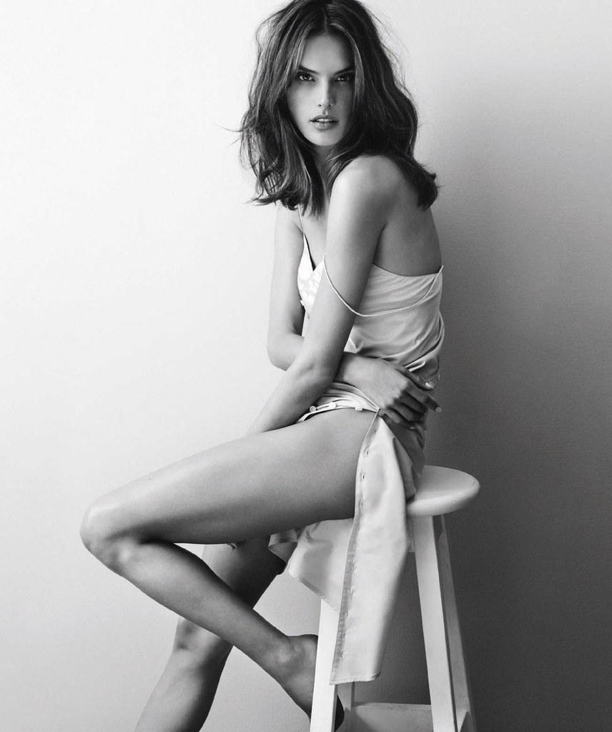 Алессандра Амбросио — Фотосессия для «Harper's Bazaar» ES 2016 – 3