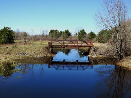 bridge ontario canada spring rust rusted pont printemps oxfordstation kemptvillecreek northgrenville countyroad20