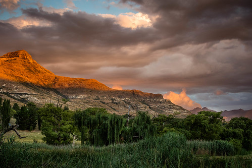 mountains village clarens easternfreestate