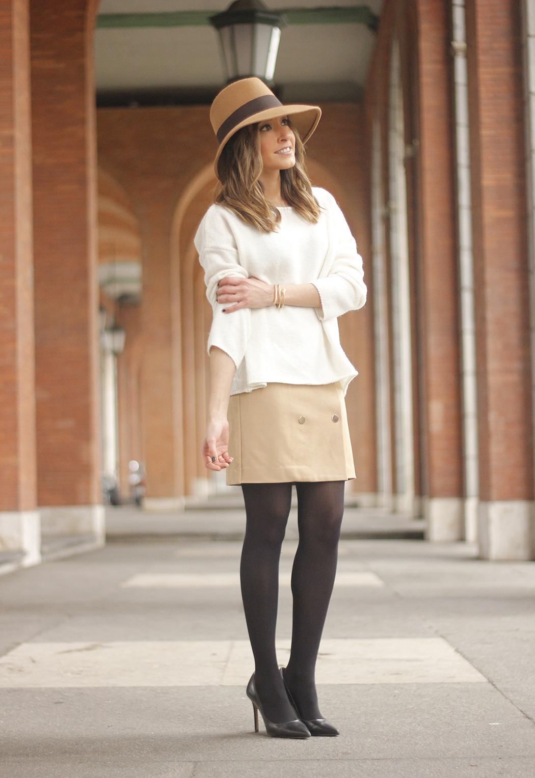 Camel Skirt Mango White Sweater Zara Camel Hat heels fashion outfit04