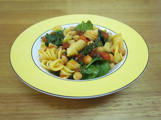 'Radiatore' with Chickpeas, Baby Spinach, and Sun-Dried Tomatoes