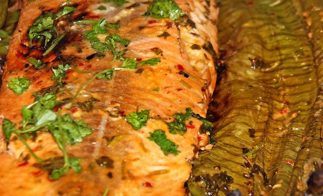 Salmon a la hoja de bananero (23)