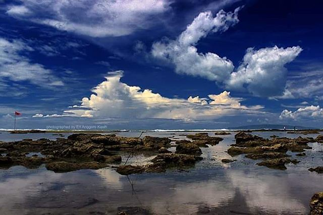The beauty of Karapyak beach, Pangandaran when low tide Karapyak Beach  #eksplorepangandaran #landscapes
