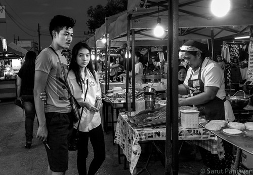 street travel people urban blackandwhite bw woman man male monochrome female night thailand grey mono eyecontact candid sony thai trang rx100