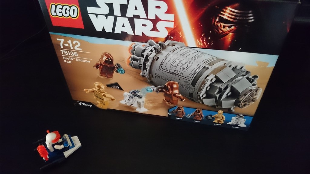 ThebrickReview: LEGO 75136 - (Star Wars) Droid Escape Pod (Pic Heavy!) 25911737685_a781969cbe_b