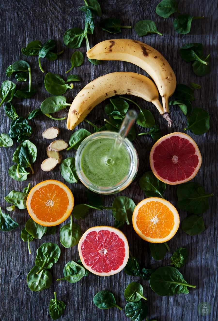 Vegan Daily Menu #1 tropical green smoothie