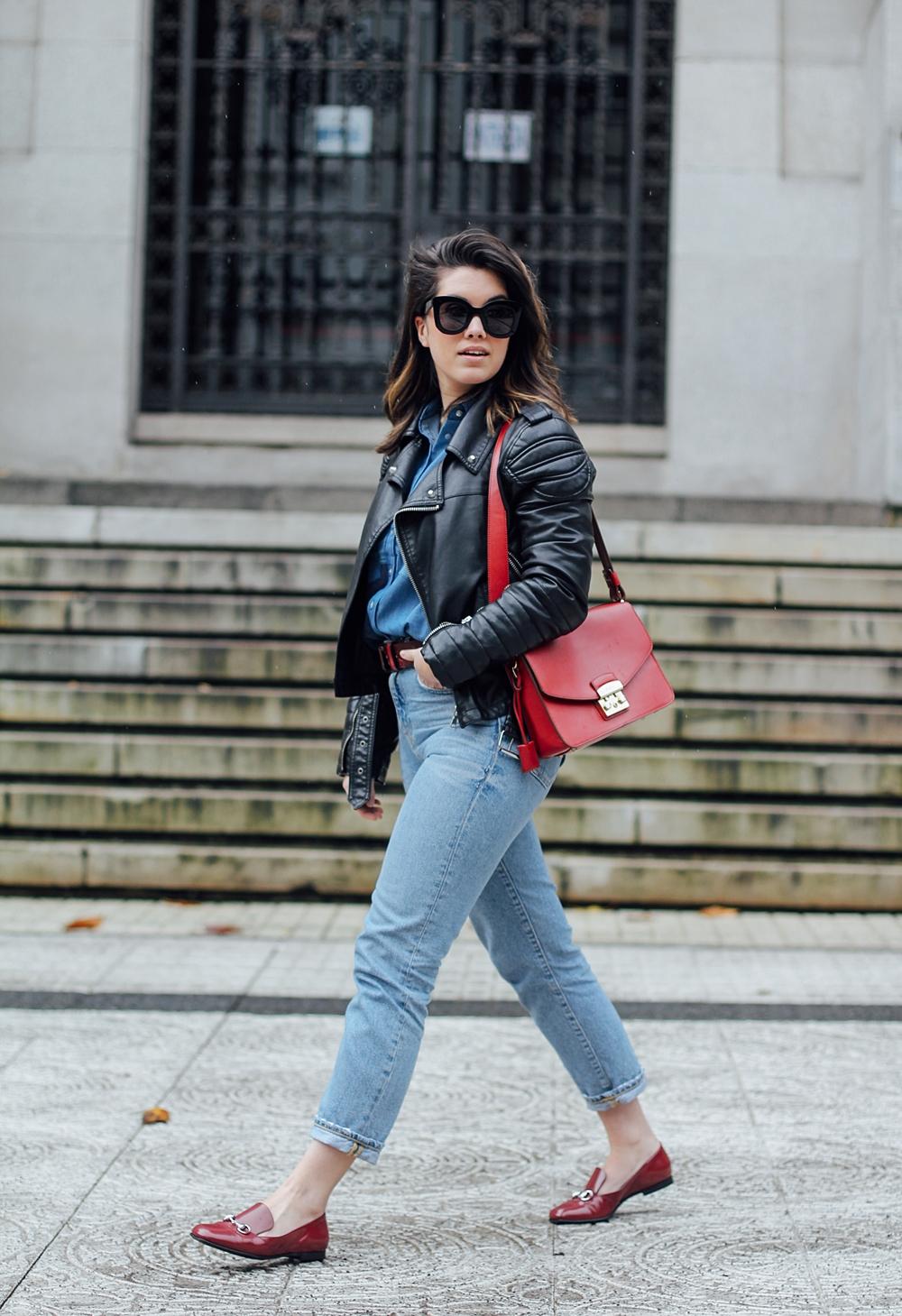 camisa patchwork total look denim ties and heels blouse with furla metropolis bag