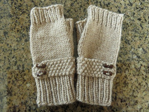 Bonnet Fingerless Mitts