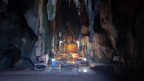 พระพุทธรูปในวัดถ้ำสาริกา