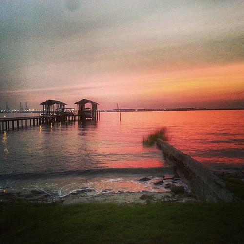 nature water beautiful pretty relaxing scenic uploaded:by=flickstagram instagram:photo=54084516008265220938433534 instagram:venuename=norfolk2cvirginia instagram:venue=215855341