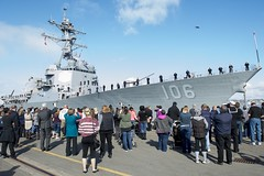 Family members and friends see off USS Stockdale (DDG 106) as the ship departs for deployment, Jan. 20. (U.S. Navy/MC2 Will Gaskill)