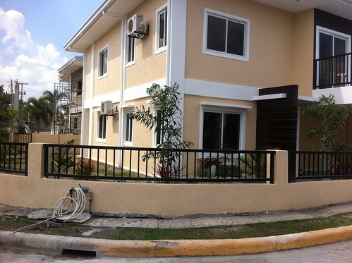 Brand New House Angeles City Pulu Amsic Corner Lot! Ref# 0000739