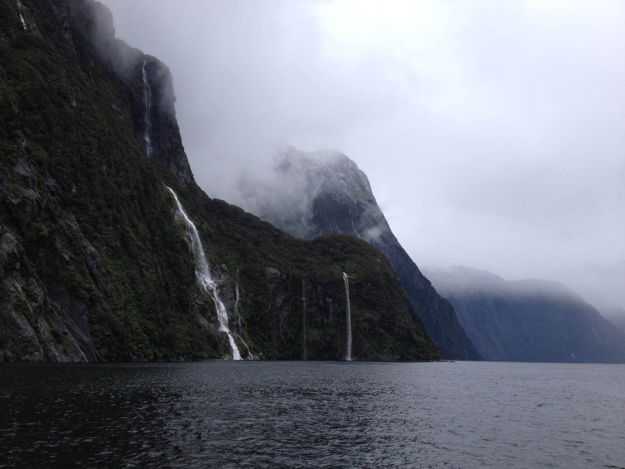 Milford Sound, waterfalls