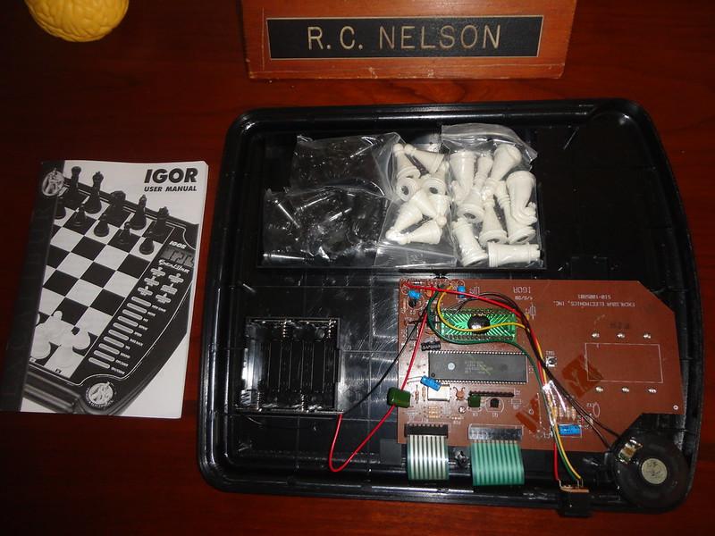 Toytronic chess electronics