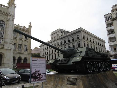 La Havane: tank SAU-100 utilisé par Fidel Castro contre le bateau Houston lors de la Bataille de la Baie des Cochons en 1961