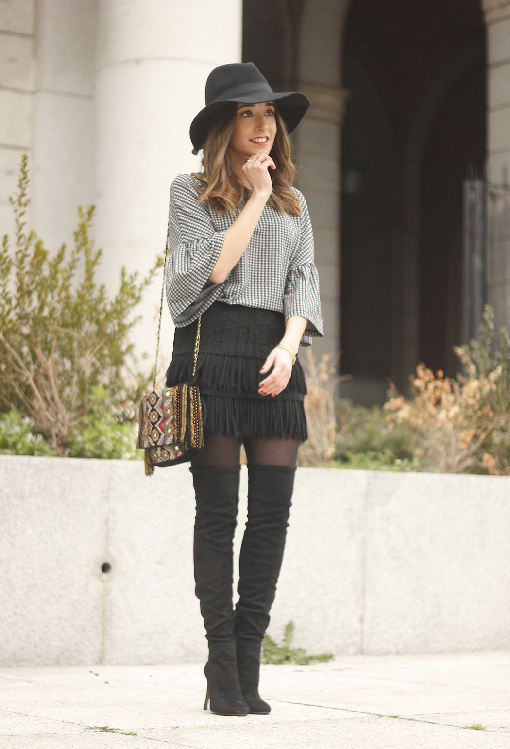 fringed skirt vichy shirt over the knee boots hat accesories bag outfit style10