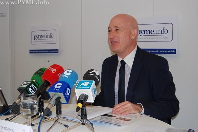 Instante de la rueda de prensa dada por el presidente de Adventia, Juan Antonio Martín Mesonero.