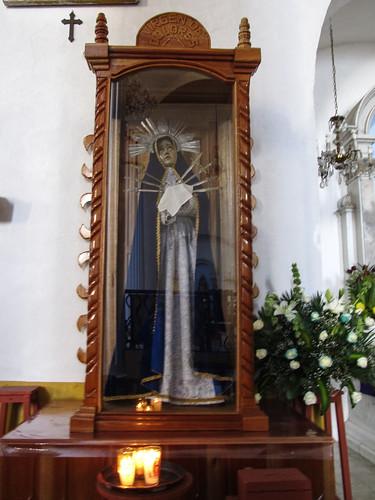 San Cristóbal de las Casas: la Vierge de la Douleur. Chose courante en Amérique Latine: dans la même église, vous trouverez aussi une statue de Vierge de la Solitude, une autre de la Vierge de la Charité, etc.