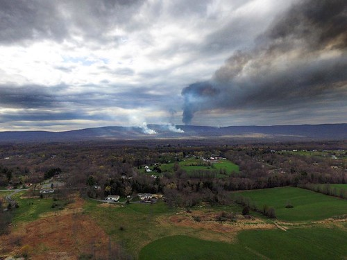 Day 3 of a forest fire near me #fire #forest #nature #newyork #ny #instapic #photo #photography #photooftheday #picoftheday #instadaily #instacool #sky #clouds #aerialphotography #cool #view #crazy #sad #mountains #likes4likes #drone #drones #likesforlike