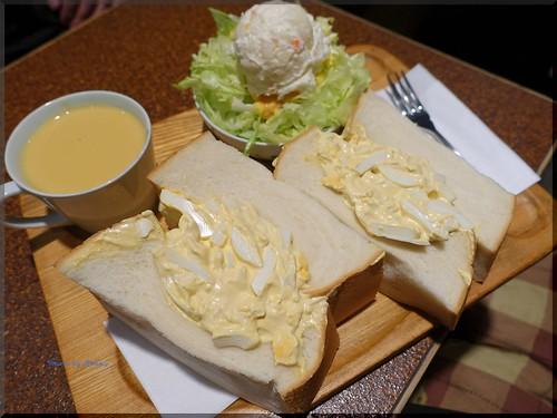 Photo:2015-11-04_T@ka.の食べ飲み歩きメモ(ブログ版)_食パン1斤のサンドイッチにトライ!【東銀座】American_02 By:logtaka