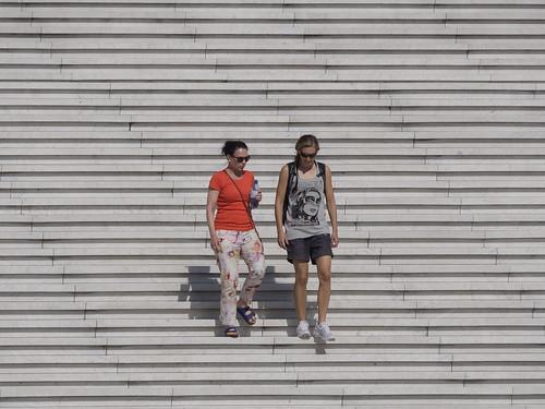 Escalinata del Gran Arco de La Défense, París