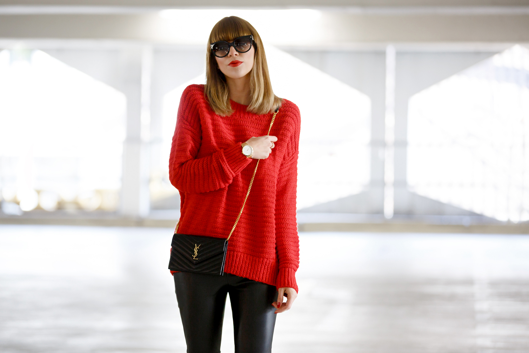 red pullover black leather pants golden details rosefield watch ysl saint laurent paris monogram bag prada celine sunglasses cat eye cute french winter look ootd outfit styling cats & dogs blog ricarda schernus fashionblogger germany dusseldorf 4