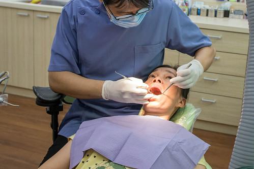 牙周病治療推薦~謝謝高雄人本自然牙醫讓我看到媽媽久違的笑容 (15)