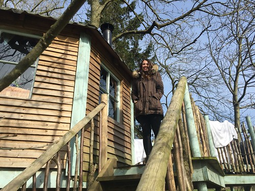 Glamping in Tinker Tree House west lexham