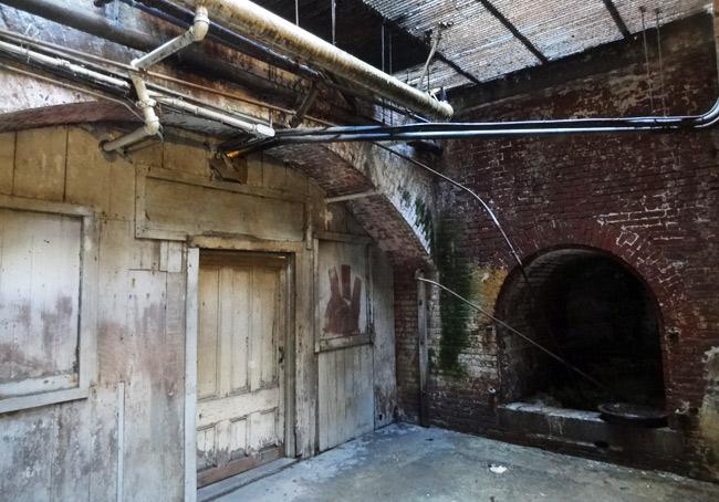 alcatraz-scary-room