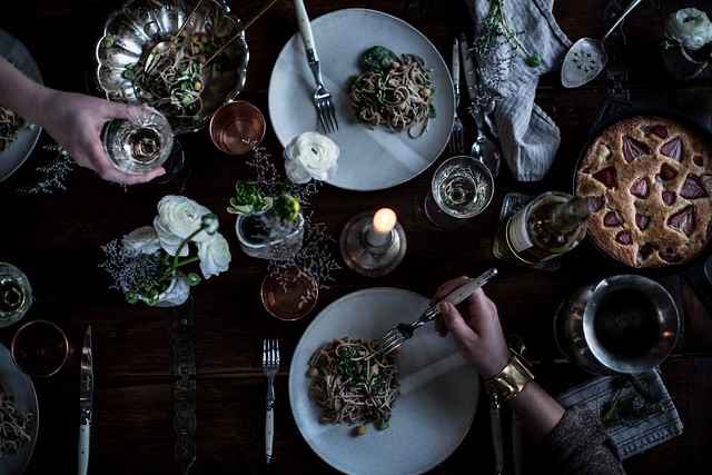 gather | 10 tips : how to throw a dinner party in an hour - Local Milk Blog Local Milk Blog