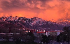 Alpenglow on overdrive. 🌄 📷: @tosylate  #UofU #universityofutah #Utah #SLC #alpenglow #Wasatch