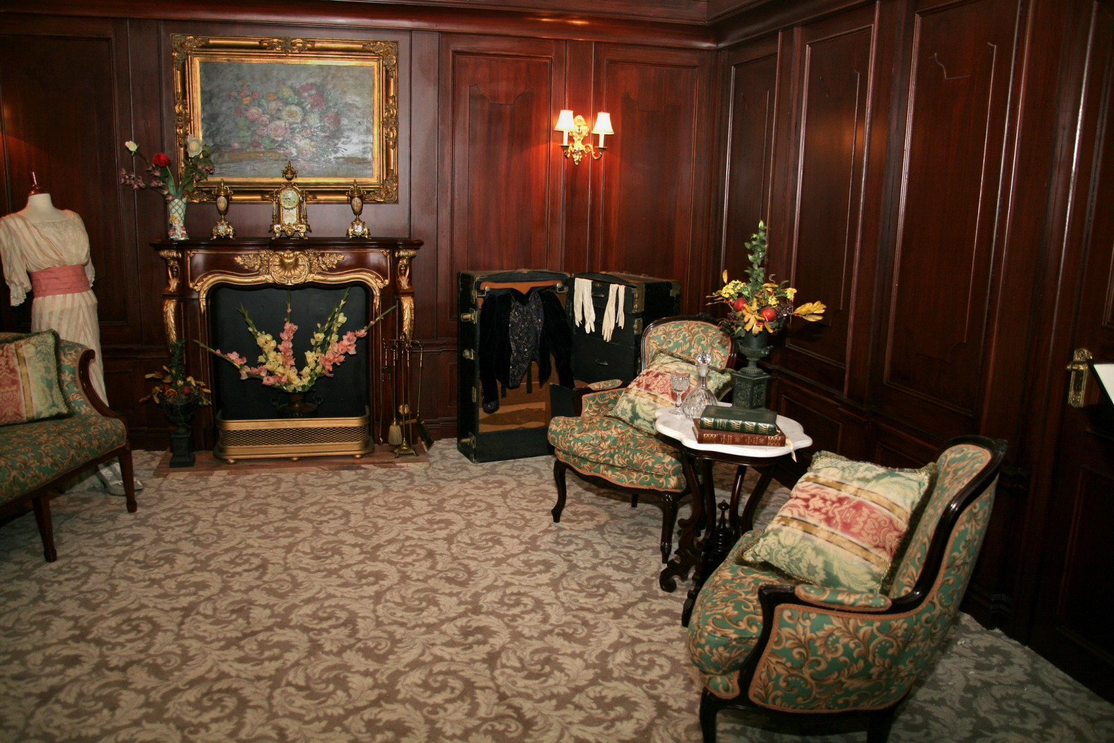 Titanic's first class stateroom. Credit Cliff1066