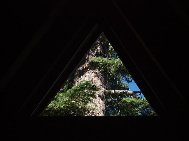 O8059970 Donner Lake house triangle window tree outside