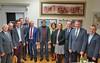 Gruppenbild der Gäste aus der Karlsruher Stadt- und Landkreisverwaltung mit den Gastgebern vom Bund der Vertriebenen Karlsruhe
