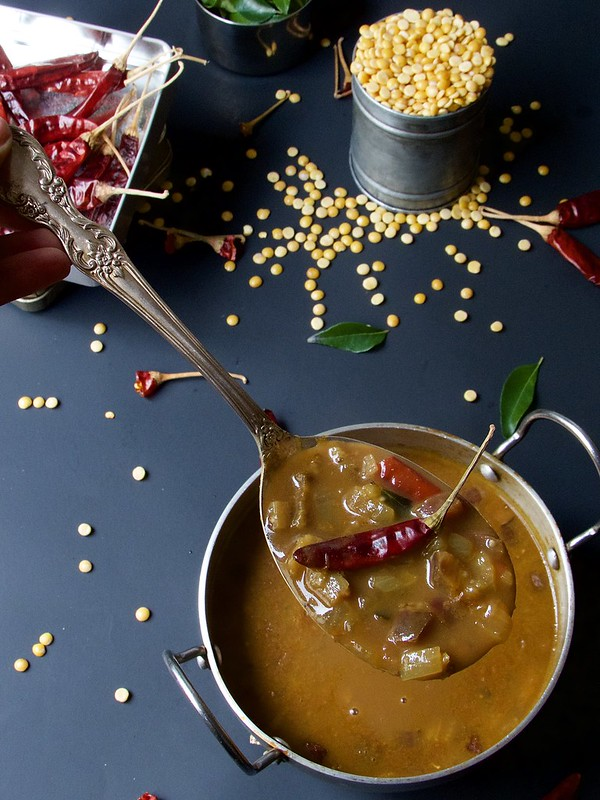 gothsu side dish pongal idli dosa, close up picture in a sponn