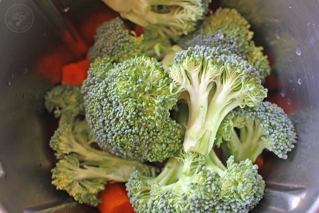 Ensalada de brócoli, zanahoria www.cocinandoentreolivos.com (8)