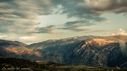 blue sunset sky mountain bus verde green azul clouds landscape golden europa europe delphi greece grecia hillside dorado delfos autobús