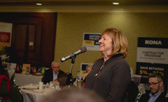 Anne Davidson, CHF Canada president, speaking at the floor mic.
